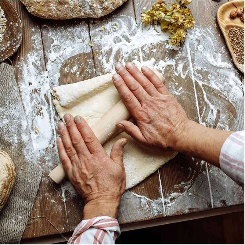 En bryllupskage er en speciel variation af en lagkage, der serveres ved bryllupper. Det er en del af traditionen, at brudeparret skærer for, og selv tager de første stykker af kagen. En bryllupskage er ofte anrettet i flere etager eller lag over hinanden i et utal af variationer.